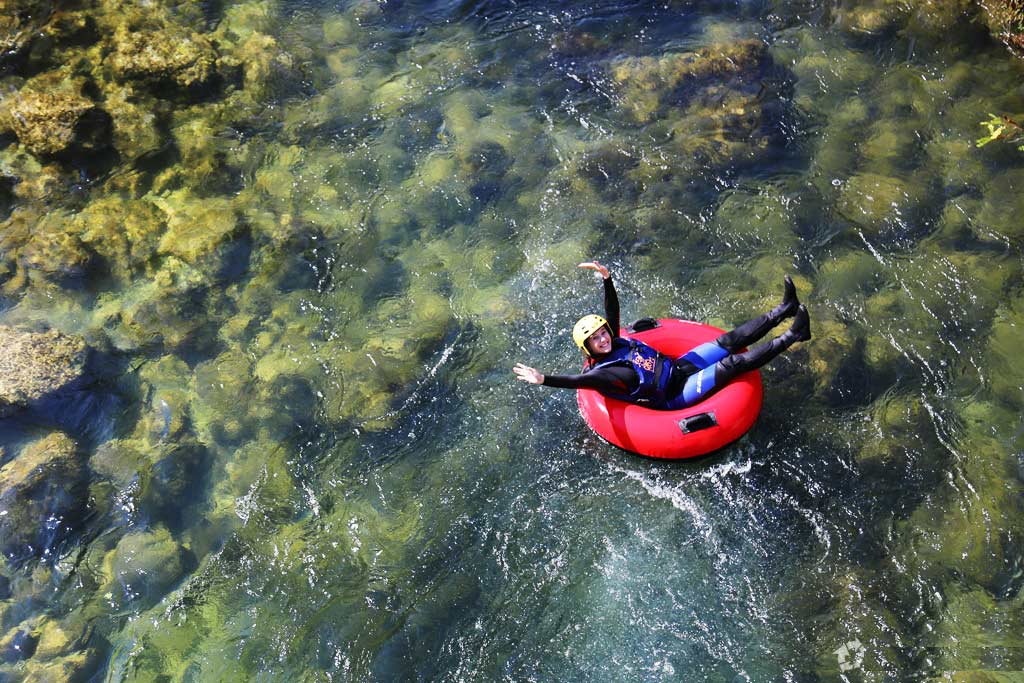Cetina river tubbing for family active holidays
