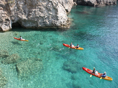 sea kayaking explore tour in croatia